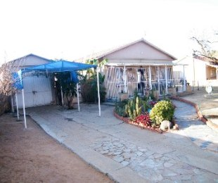 R 350,000 - 3 Bed Home For Sale in Rheeder Park