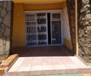 R 2,000,000 - 3 Bed House For Sale in Hazendal