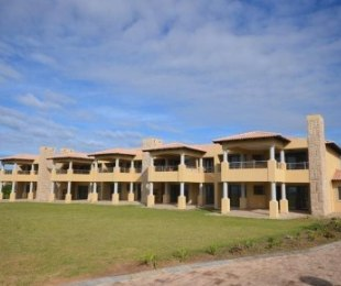R 2,150,000 - 3 Bed Flat For Sale in Plettenberg Bay