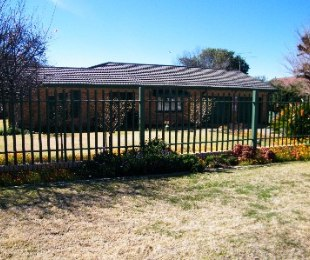 R 835,000 - 3 Bed Property For Sale in Riebeeckstad