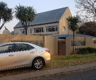R 12,800 - 3 Bed House To Rent in Moreleta Park