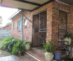 R 900,000 - 3 Bed Home For Sale in Suiderberg
