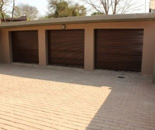 R 1,399,000 - 4 Bed House For Sale in Dorandia