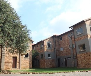 R 440,000 - 1 Bed Flat For Sale in Willow Acres