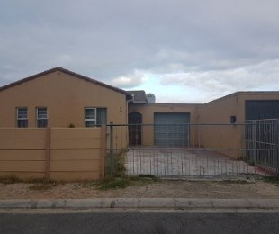 R 895,000 - 3 Bed Home For Sale in Mitchells Plain