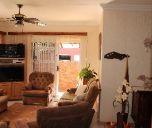 R 980,000 - 3 Bed House For Sale in Ninapark
