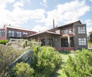 R 6,500,000 - 6 Bed Property For Sale in Betty's Bay