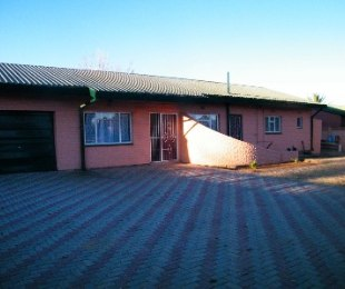 R 602,000 - 3 Bed Property For Sale in Riebeeckstad