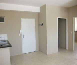 R 4,000 - 2 Bed Flat To Let in Booysens