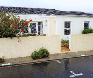 R 2,450,000 - 3 Bed Property For Sale in Kirstenhof