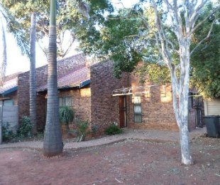 R 7,000 - 3 Bed House To Let in The Orchards
