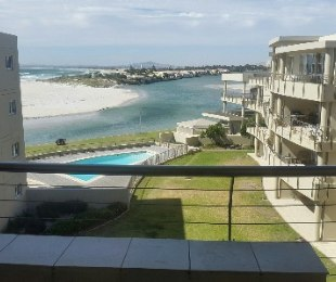 R 2,900,000 - 2 Bed Flat For Sale in Lagoon Beach