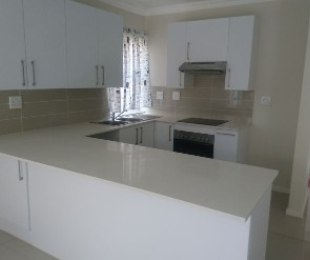 R 17,000 - 3 Bed Property To Rent in Eagle Canyon Golf Estate
