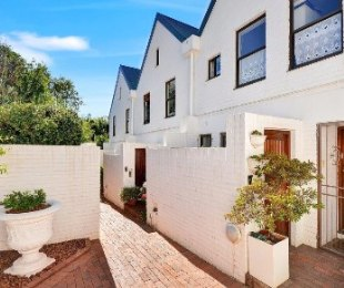 R 30,000 - 3 Bed Home To Rent in Rosebank
