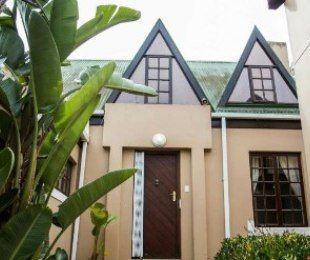R 3,150,000 - 4 Bed House For Sale in De Bron