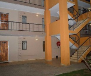 R 3,000 - 2 Bed Flat To Rent in Jabulani