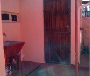 R 1,600 - 1 Bed Apartment To Rent in Protea Glen