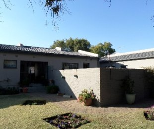 R 630,000 - 3 Bed House For Sale in Flamingo Park