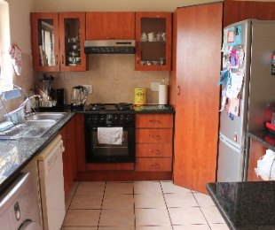 R 12,000 - 3 Bed Apartment To Rent in Eagle Canyon Golf Estate