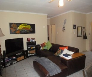 R 7,800 - 2 Bed Property To Rent in Wapadrand Estates