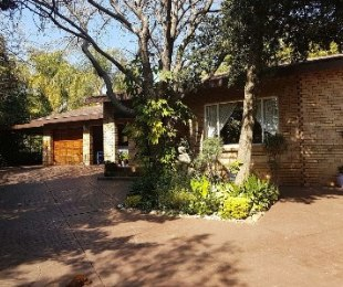 R 2,900,000 - 4 Bed Property For Sale in Amandasig