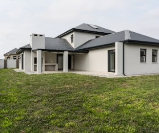 R 2,895,000 - 3 Bed House For Sale in Kraaibosch