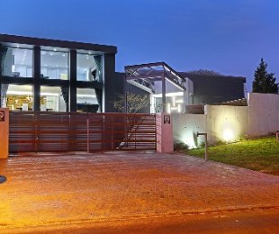 R 9,995,000 - 3 Bed Home For Sale in Sonstraal