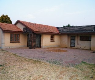 R 630,000 - 3 Bed Property For Sale in Riebeeckstad