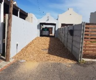 R 1,480,000 - 3 Bed House For Sale in Bothasig