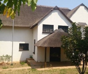 R 1,785,000 - 4 Bed Smallholding For Sale in Kameeldrift
