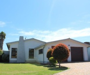 R 1,390,000 - 3 Bed Home For Sale in Peerless Park