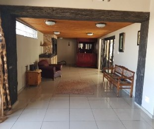 R 2,320,000 - 3 Bed House For Sale in Bothasig