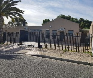 R 2,320,000 - 3 Bed Property For Sale in Bothasig