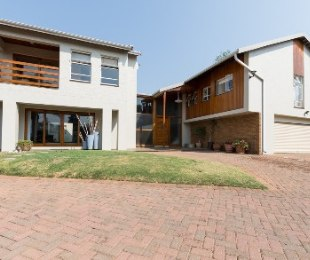 R 6,500,000 - 5 Bed House For Sale in Victory Park