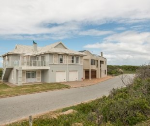 R 6,500,000 - 5 Bed Home For Sale in Still Bay