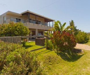 R 3,600,000 - 4 Bed House For Sale in Betty's Bay