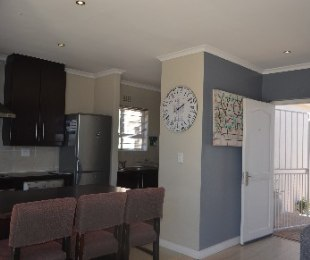 R 1,549,000 - 2 Bed House For Sale in Sunningdale