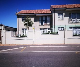R 725,000 - 2 Bed Apartment For Sale in Kraaifontein