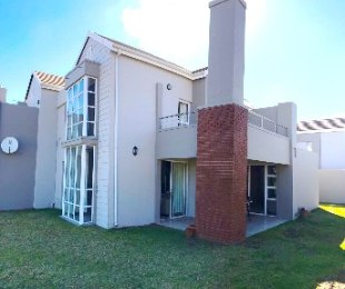 R 19,000 - 3 Bed Flat To Rent in Eagle Canyon Golf Estate