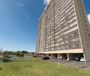R 795,000 - 2 Bed Flat For Sale in Goodwood