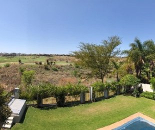 R 43,000 - 4 Bed House To Rent in Eagle Canyon Golf Estate