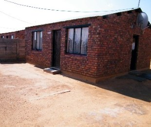R 220,000 - 2 Bed House For Sale in Thabong