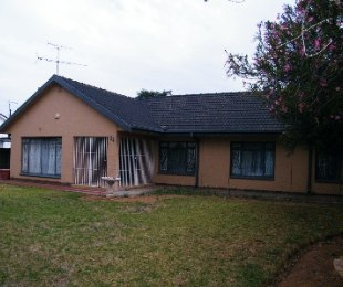 R 1,800,000 - 3 Bed Home For Sale in Jim Fouchepark
