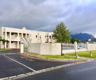 R 829,000 - 1 Bed Apartment For Sale in Kenilworth