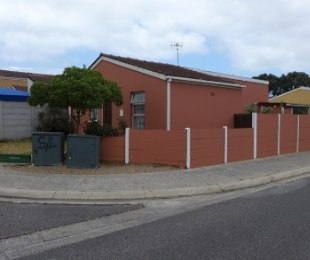 R 620,000 - 3 Bed Home For Sale in Mitchells Plain