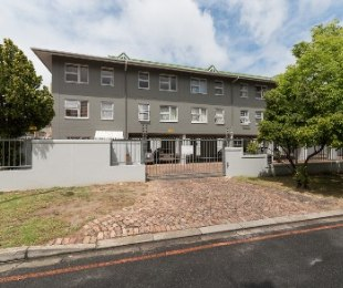R 1,150,000 - 2 Bed Flat For Sale in Stellenbosch Central