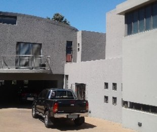 R 6,490,000 - 4 Bed House For Sale in Dowerglen