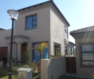 R 1,800,000 - 3 Bed Home For Sale in Noordwyk