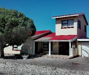 R 1,950,000 - 3 Bed House For Sale in Dwarskersbos