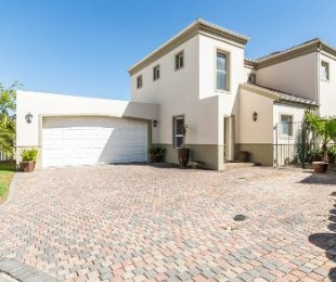 R 3,150,000 - 4 Bed Property For Sale in Durbanville Central